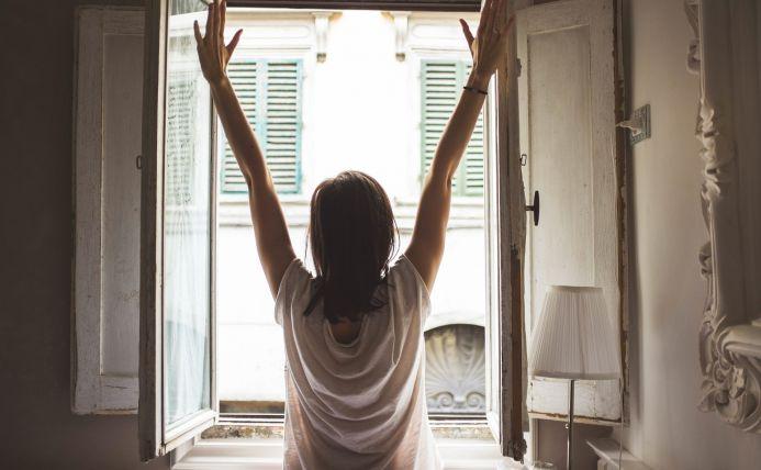vrolijk wakker worden met daglicht