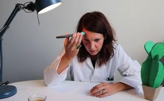 Vlogger Joyce test het koorts meten met een app
