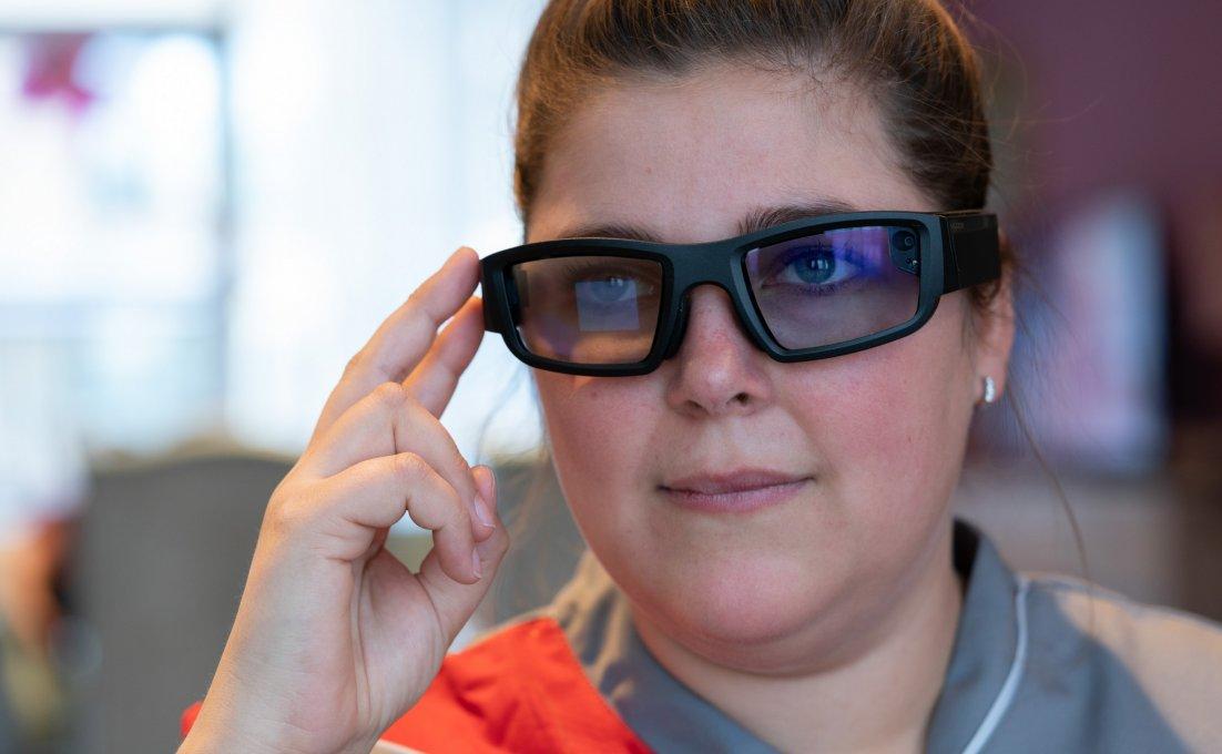 Augmented reality bril voor extra controle bij het toedienen van medicatie.